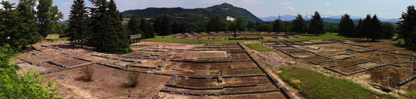 Panoramica dell'area archeologica di Libarna