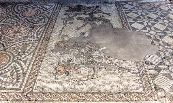 Ambrosia e Licurgo - Mosaico el pavimento del triclinum - Area archeologica di Libarna
